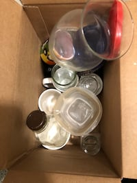 Up for grabs! Box of mixed kitchenware, come and get it! Washington, 20016