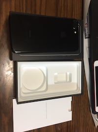 iPhone 7 Plus jet black unlocked 128 GB Annandale, 22003