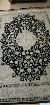 black and white area rug Surrey, V3W 1R9