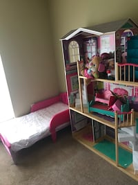 Doll house mini mouse bed