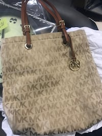 Michael kors purse  South-West Oxford, N4S