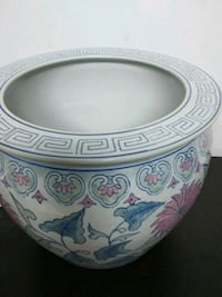 Large Ceramic indoors or outdoors flower pot