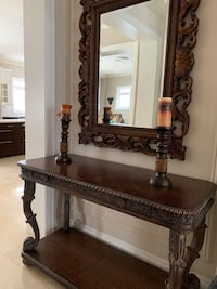 Beautiful piece with mirror Richmond Hill, L4E 0E9