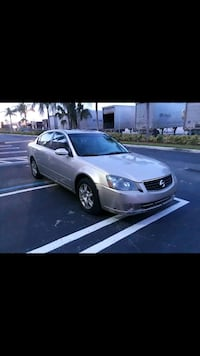 silver-colored Honda Civic sedan Miami, 33182