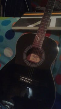 black and brown acoustic guitar Gatineau, J8T 1S9