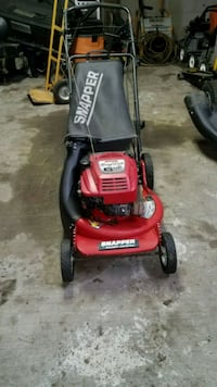 Snapper push mower.