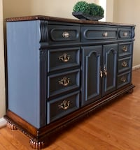 Dresser/ buffet table  Gainesville, 20155