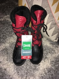 Women's cougar boots, size 8 brand new with tags Toronto, M6G 2B9