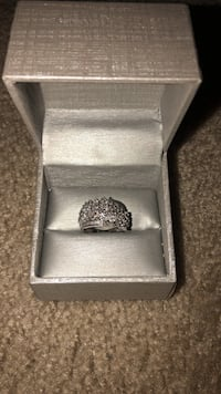 White gold ring with box