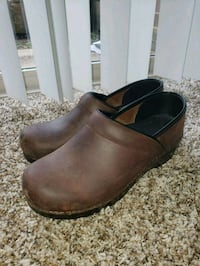Dansko clogs  Aspen Hill, 20906