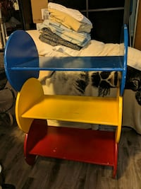 3 piece kids shelves Brampton
