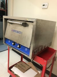 Bakers Pride P-18 Pizza Oven Great condition