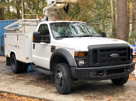 2008 Ford F-450 Super Duty Chassis Cab XLT Regular Cab 201-In DRW