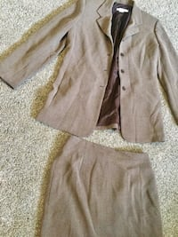 Garfield & marks women's suit