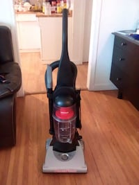 black and gray Bissell upright vacuum cleaner Winnipeg, R2M 3B7