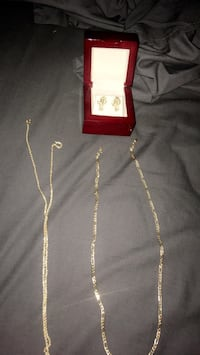 Gold chains and nugget earrings jewelry 200 for everything  Fresno, 93722