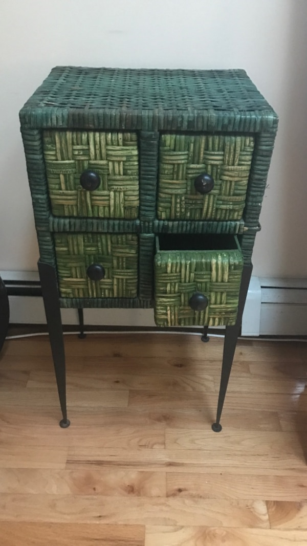 Green wicker 4 drawer