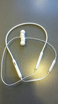 white corded earbuds