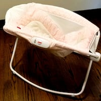 Infant baby bassinet and rocker, Fisher Price 598 mi