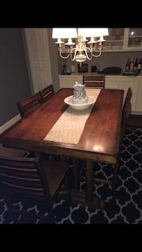 Dining table Bakersfield, 93306
