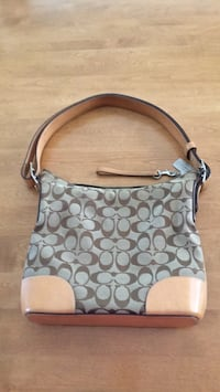 Coach purse with shoulder strap, very good condition, hardly used. Glassboro, 08028