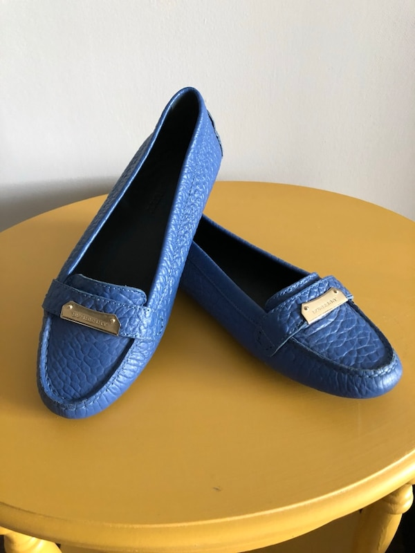 Burberry Loafers/Flats (limited edition blue) 38