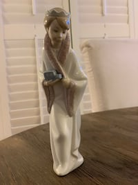 Lladro Nativity Gasper King - Vintage Mc Lean, 22101