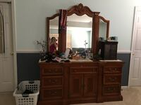 brown wooden dresser with mirror Woodbridge, 22193