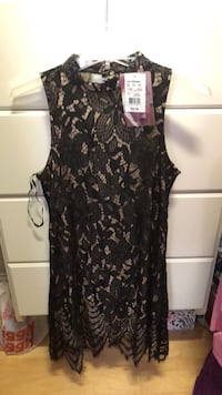 black and gray floral sleeveless dress Pleasant Prairie, 53158