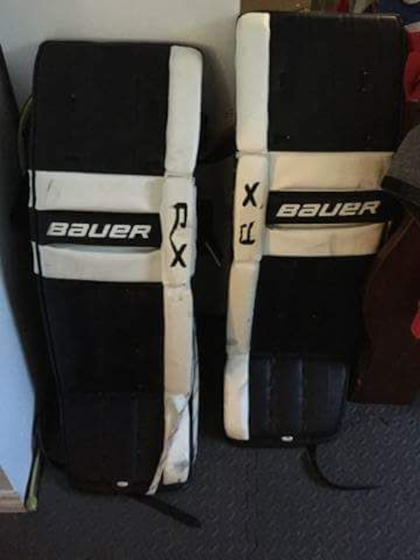 Used Ice Hockey Goalie Pads Sr For Sale In Brossard Letgo