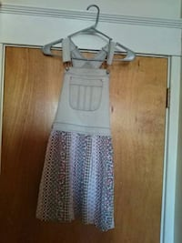 Girl's white and gray sleeveless dress  Brockton
