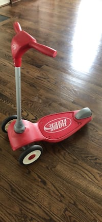 red and white Radio Flyer kick scooter Ashburn, 20148