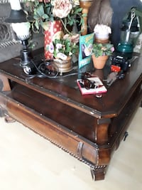 Coffee table with drawer null