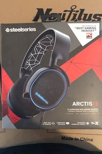 Steel series antics 5 gaming headphones with LED