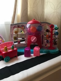 Shopkins Sweet spot gumball machine  Toronto, M6L 1N4