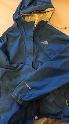 grey The North Face hooded jacket