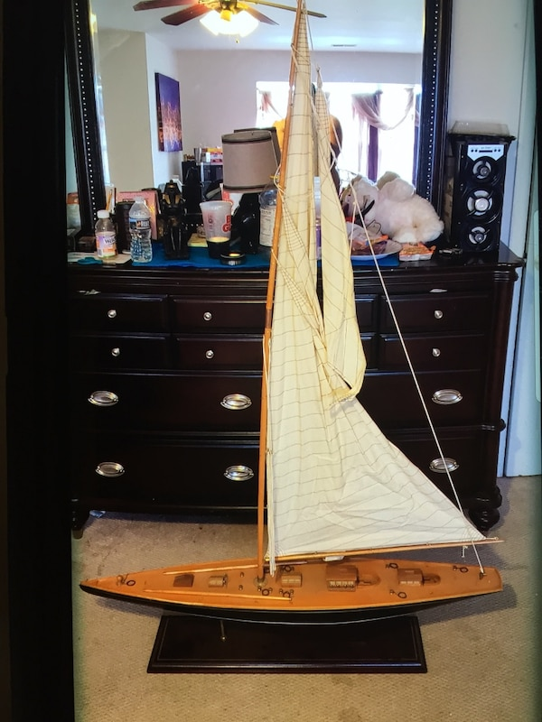 """HAND MADE WOODEN SAIL BOAT """"BEST OFFER """" $200 d60eaebd-ceec-4a08-98b5-729c3fcd5882"""