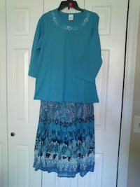 New 2 Piece Top and Skirt Set size M West Springfield
