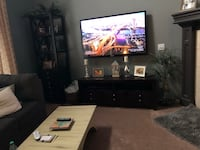 Tv stand and tv stand tower In great condition!!