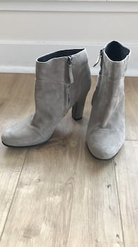 Sam Edelman Women's size 8.5 light suede boot, barely worn