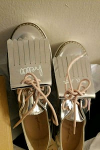 pair of white leather sandals Suitland-Silver Hill, 20746