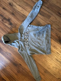Size L ROOTS Hoodie (women's) Whitby, L1M 0C1