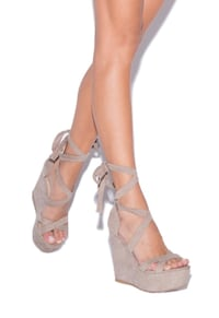 Lainy wedges blush color size 9.5 shoes for women