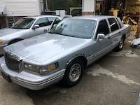 Lincoln - Town Car - 1995 New Haven