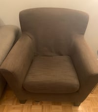Arm chair-brown Urgent