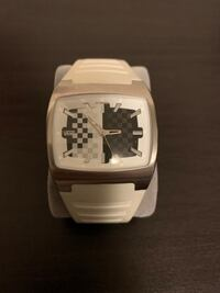 VANS watch Pickering, L1X 2V5