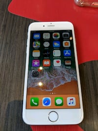 iphone 6 / mint unlocked /  Toronto, M4M 1G6