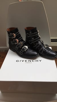 pair of black leather boots Vancouver, V6G