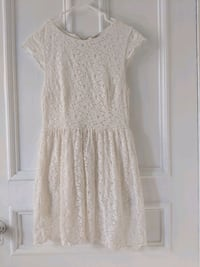 White lace mini short dress , size Small  Montréal, H4C 2T8