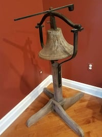 VINTAGE CAST IRON SHIP/SCHOOL/CHURCH BELL W/ iron